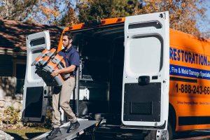 911Restoration-residential-unloading- St Charles